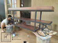 Meja Roda Vintage Industrial