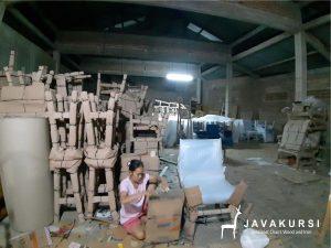 Pengemasan Produk Java Kursi, Packaging Single Face Java Kursi, Packaging Foam Sheet Java Kursi