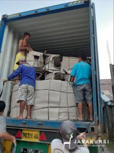 Pengiriman via kontainer java kursi